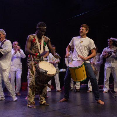 Afrikaans en Braziliaanse Percussie